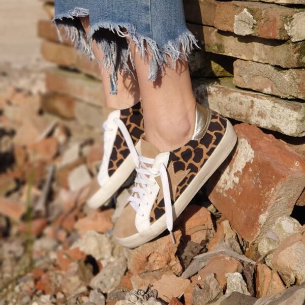 Sneaker giraffa