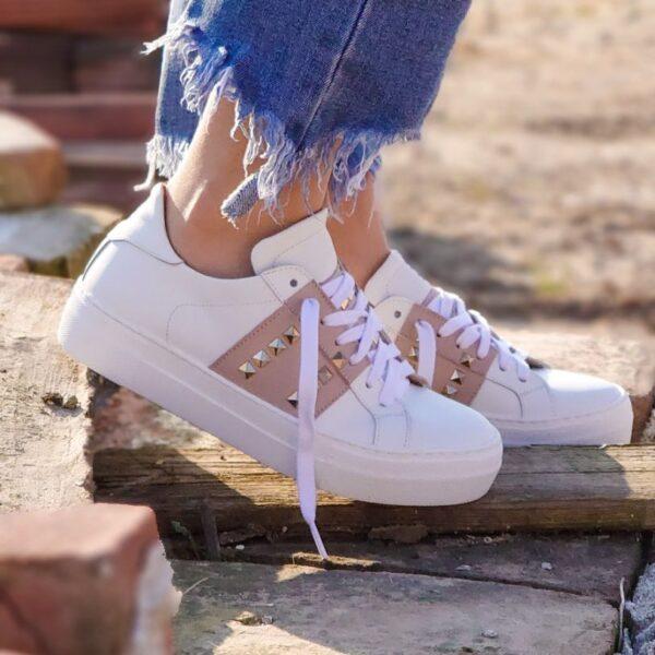 Sneaker fascia rosa borchie